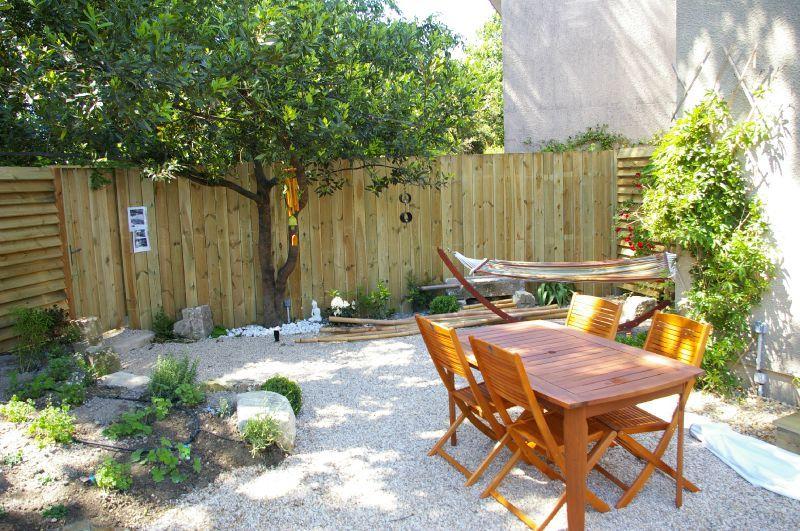 Am nager son jardin avec bois l 39 esprit des jardins for Amenager son jardin en provence